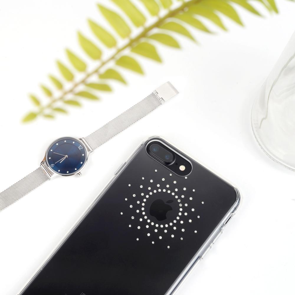 pokrowiec dla iphone 8/7 plus świetnie współgra z biżuterią i jest jej uzupełnieniem